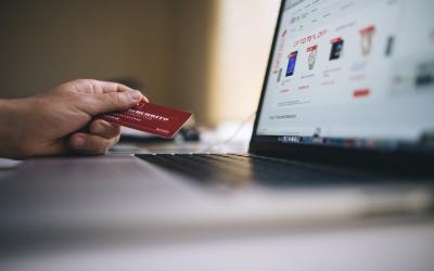 Ali poznate vaše pravice pri spletnem nakupvanju?
